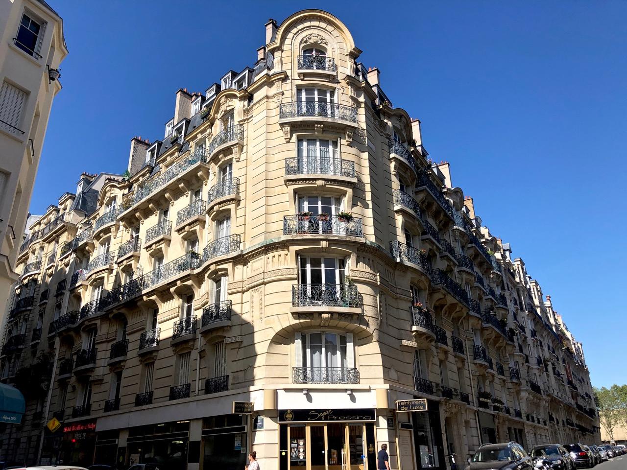 Ostolakossa Pariisi Virve Fredman