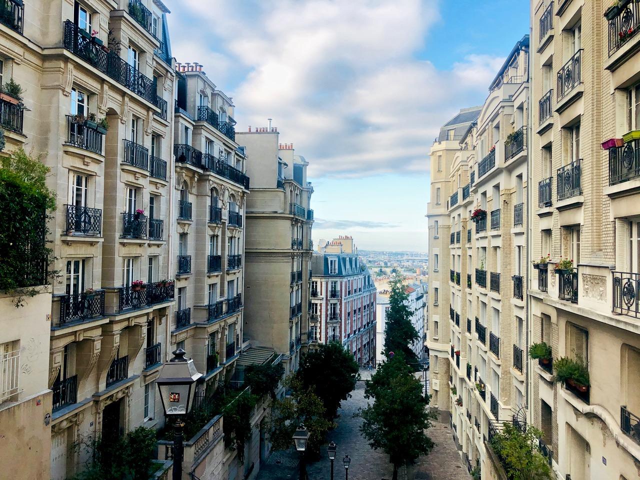 Ostolakossa yksin matkustaminen Virve Fredman Pariisi