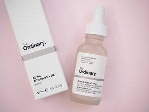 The Ordinary hyaluronihappo seerumi