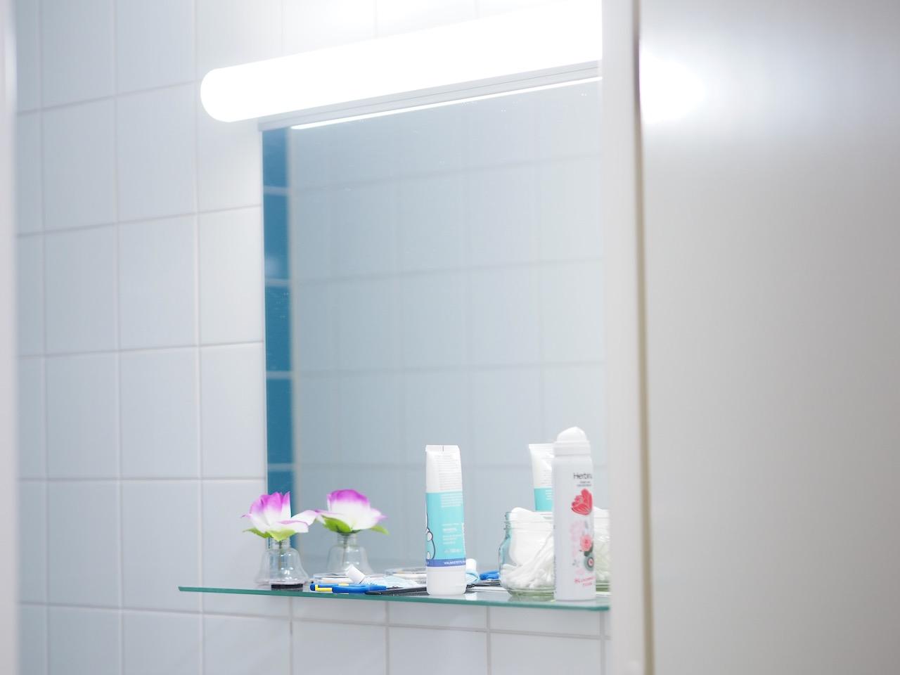 Meikkaamisen lopettaminen laittoi lopun myös peiliin tuijottelulle